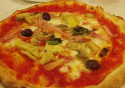 ○ピザが1枚食べれるのはうれしいね。